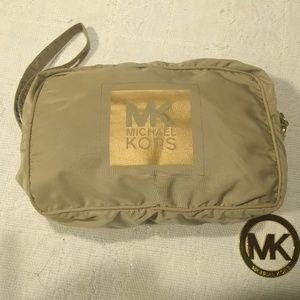 Michael Kors Wristlet Nylon Tan Quality & Gold